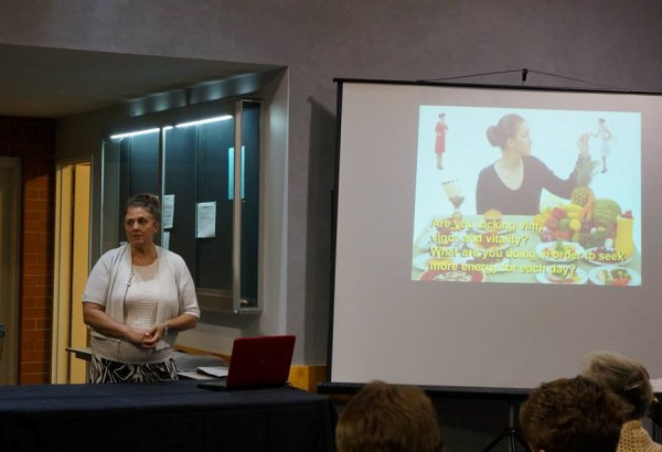 Susan Lausevic, talk on benefits of raw foods